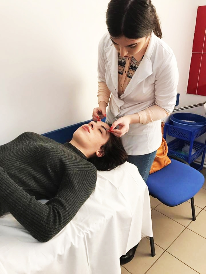 Scoala Postliceala FEG Iasi Cosmetician